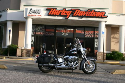 Pre-Owned 2017 Harley-Davidson Softail FLSTC - Heritage Softail Classic