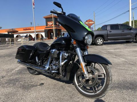 Pre-Owned 2017 Harley-Davidson Touring FLHXS - Street Glide Special